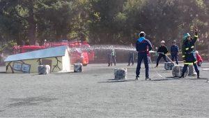 消防団員の皆様による消火活動訓練